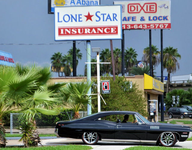 How to handle a claim with your auto insurance company after an accident
